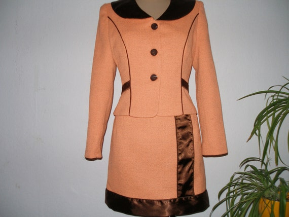 Pretty Skirt Suit Vintage / Skirt and Jacket / Two