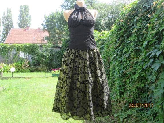 Elegant Skirt / Full Skirt / Full Skirt Pockets /