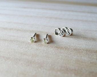 natural peridot earring, August birthstone earring, 2mm tiny earring sterling silver, peridot gem earring, light green stud earring