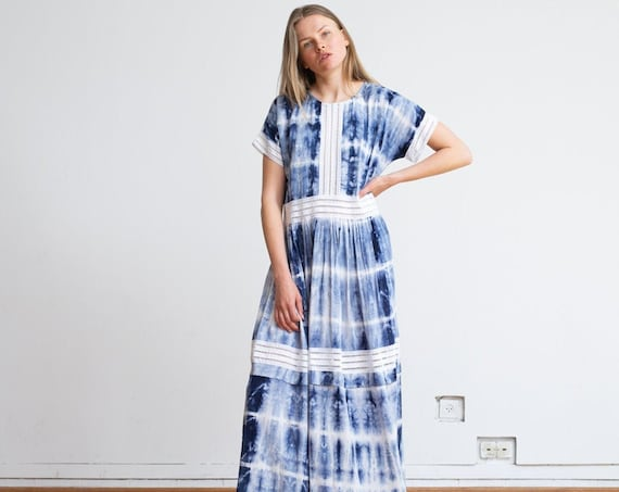 Tie dye Party Eyelet Trim Maxi Dress.