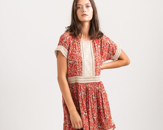 Vintage inspired floral printed Midi Eyelet Trim Summer Dress ,RED.
