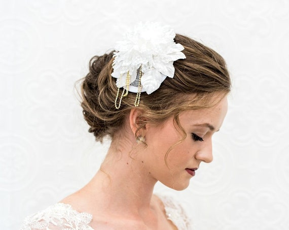 Ivory Flower Hairpiece, Ivory Flower Fascinator, Mini Bridal Hat, Bridal Headpiece, Bridal Hat, Rhinestone Chain, Bridal Hair Comb OLIVIA