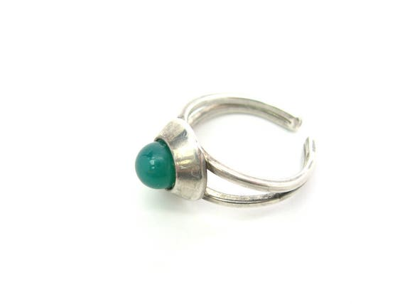 Vintage Modernist Sterling Silver Chrysoprase Chalcedony Ball Dome Ring