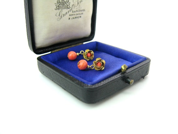 Victorian Style Gold Tone Rose & Coral Art Glass Dangle Earrings Vintage 14K Posts