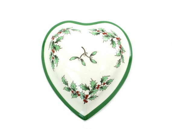 Spode Christmas Trinket Box Heart Shape Holly Mistletoe Made in England Christmas Tree Pattern Candy Dish Vintage Small Ring Jewelry Holder