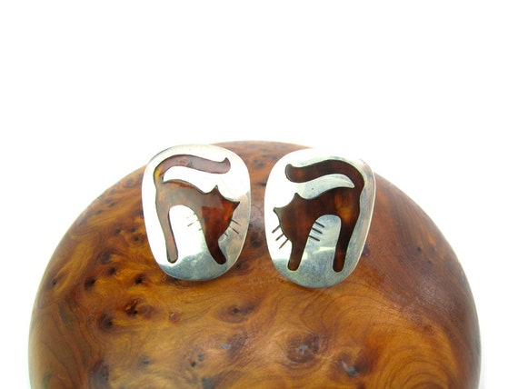 Vintage Scared Cat Taxco Sterling Silver Brown Inlay Earrings
