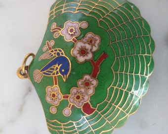Vintage Enamel Cloisonne Clam Shell Pendent with Bird