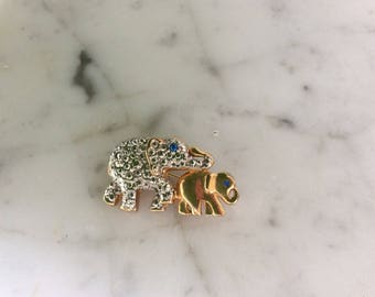 Mama and Baby Elephant Brooch