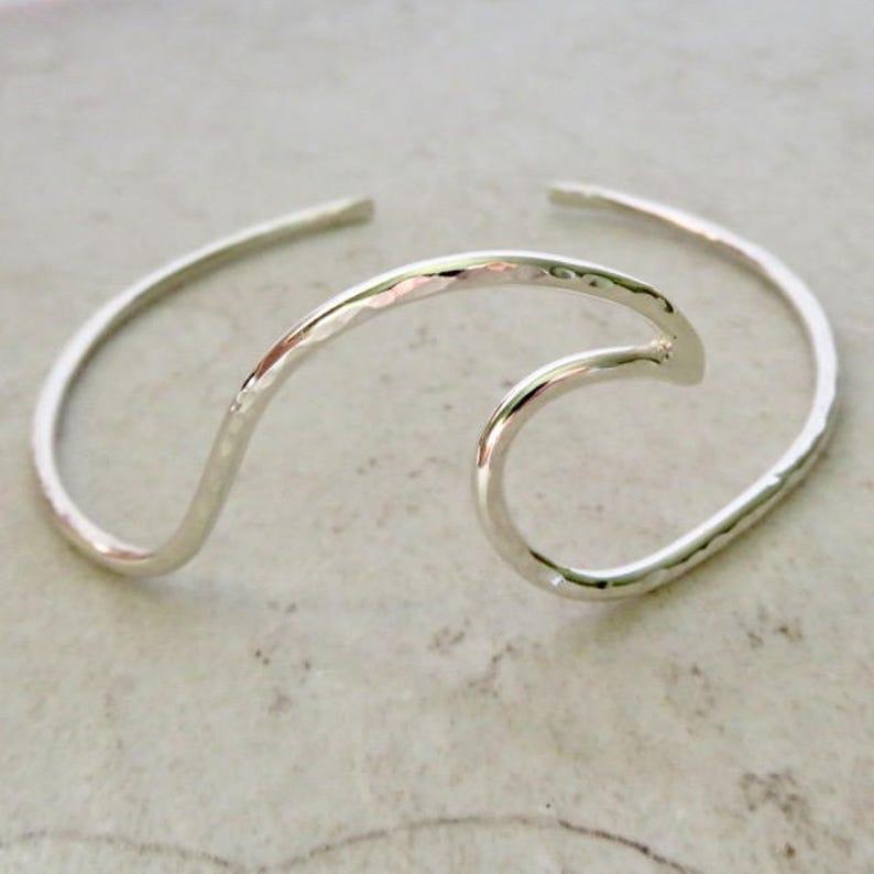Vintage femmes Bracelet Simple Bracelet Manchette Ouverte Vague Fashion bijoux cadeaux