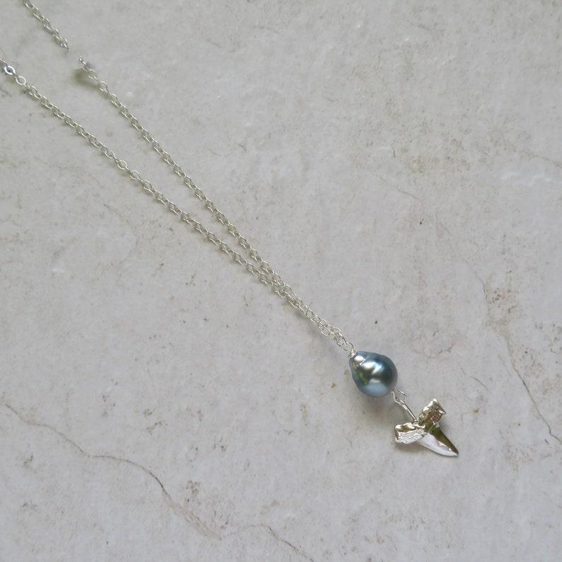 Mother/'s Day Gift Long Silver Chain Boho Fashion Hawaiian Jewelry Tahitian Pearl Necklace Genuine Tahitian Pearls Shark Tooth Charm