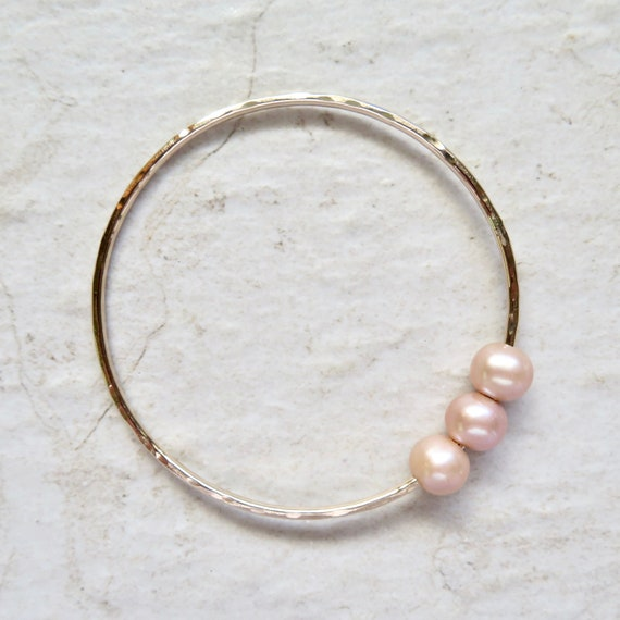 Triple Peach Pearl Bangle Gold Hammered Bracelet Genuine Etsy
