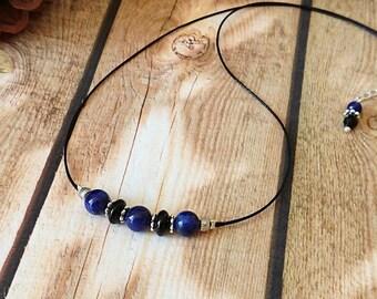 Collier Pierre de Lapis Lazuli bleu 3 perles rondes 6mm sur fil de coton ciré noir et plaqué argent - Blue lapis lazuli necklace black cord