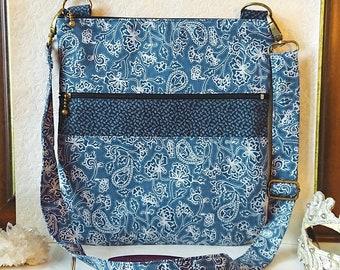 Sac à main / épaule, tissu coton floral fleurs bleu 23,5 x 21 cm, triple ouverture zippées, sangle ajustable - Blue cotton fabric handbag