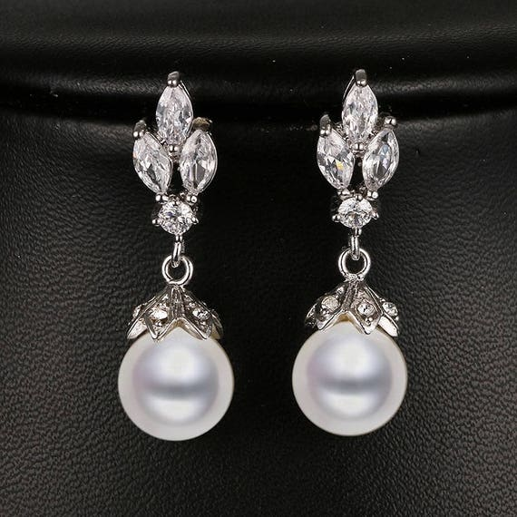 Chunky Pearl Drop Clip on Earrings for her Bridal Bridesmaid Wedding Dangle 63D