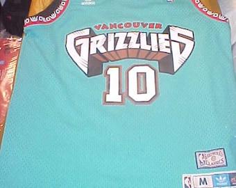 ef48f13cf Bibby Vancouver Grizzlies  10 Adidas HardWood Classics size M vintage 1998-1999  Like New Mike Bibby BasketBall Jersey