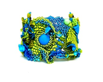 Green and blue bracelet / Gift for women / Beaded bracelet / Freeform peyote bracelet / Beaded cuff bracelet / Original design