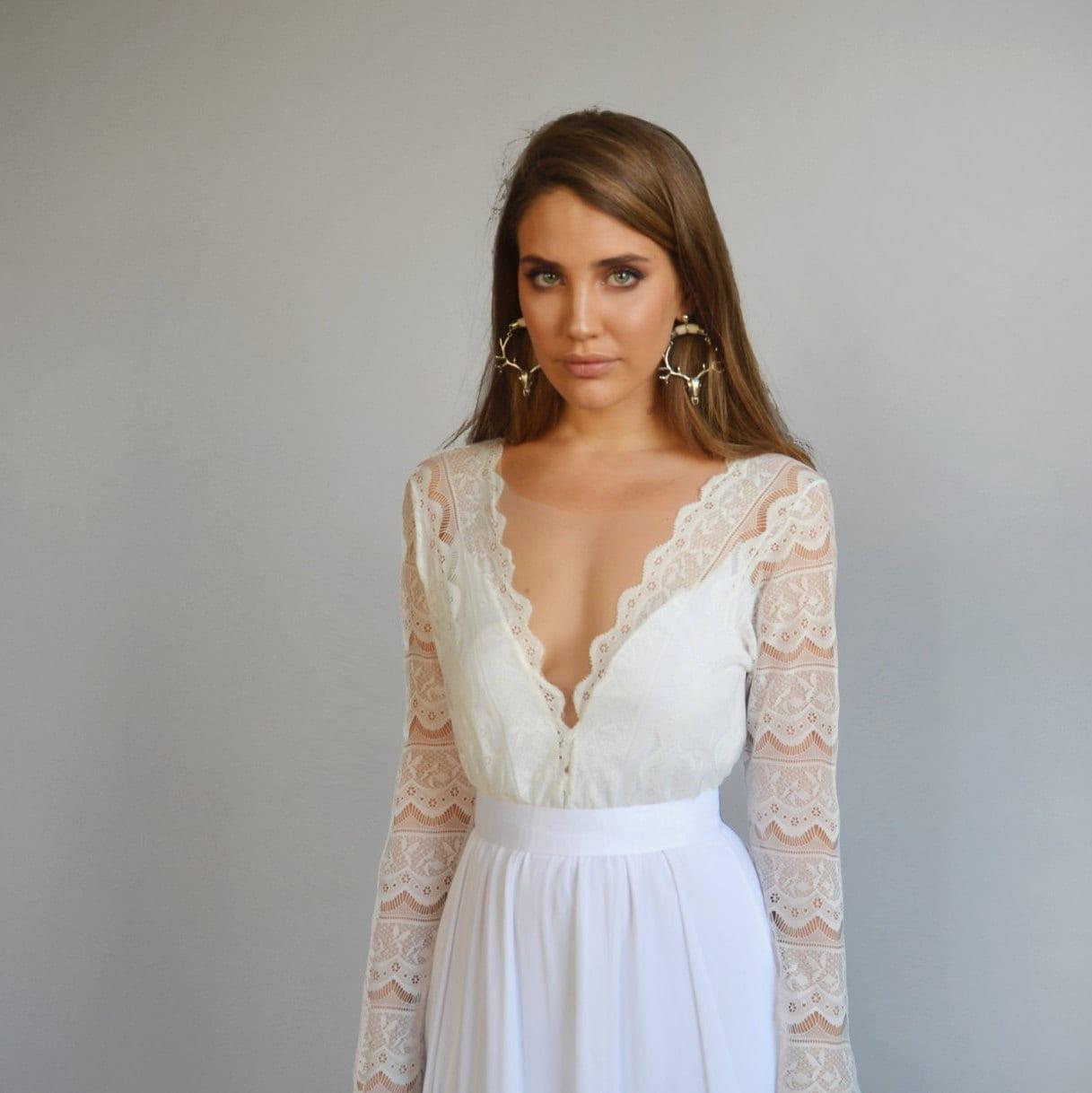 7249740cc589 Wedding Dress Lace Long Sleeve V Neck
