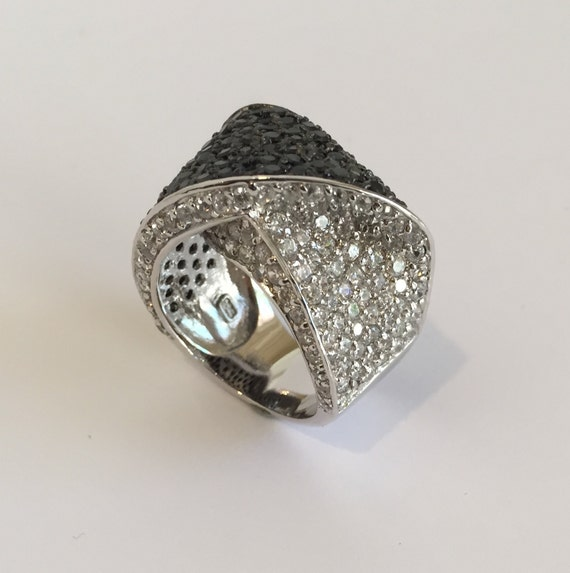 Sterling Silver Black and White Pave Estate Ring C
