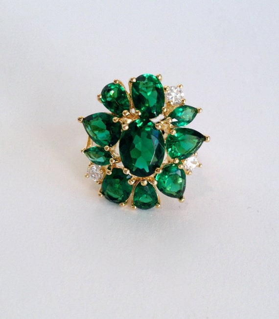 Emerald Green Stone Cluster Estate Ring Gold Verme