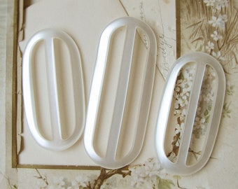 vintage belt buckle slides in white moonglow lucite plastic - 1960s mod fashion - 3 pieces - vintage sewing supply