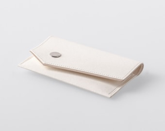 Bordered Angled Washable Paper Business Card Case in Riambel White