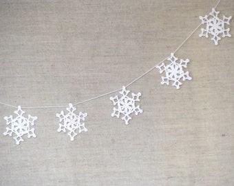 Snowflakes garland white crochet snowflakes ornaments xmas decor rustic christmas home decor xmas garland white winter bunting garland
