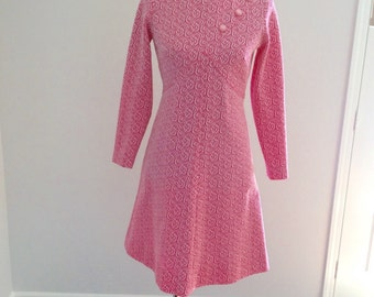 Vintage women's dress pink and white polyester