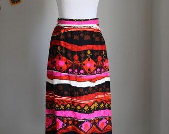 Vintage Retro Women's Barkcloth Long Skirt 1960's