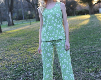 Vintage 2 Piece Set Polyester Green Flowered Cropped Pants and Top Size Small