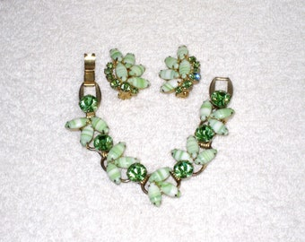 Juliana Green, White 5 Link Bracelet and Clip Earrings, DeLizza & Elster Demi Parure, Chunky Retro D and E Jewelry