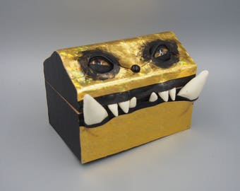 Holographic Mimic Monster Box 0118