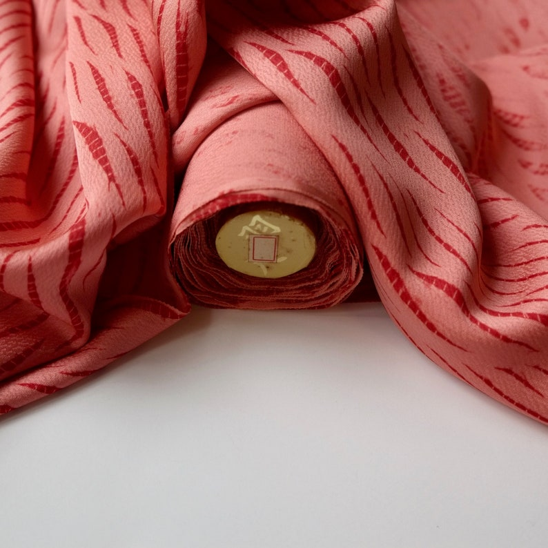 Salmon Pink and Red Shibori Kimono Fabric unused bolt by the yard Tie Dye abstract leaves with gray blue parallelogram 100/% pure silk