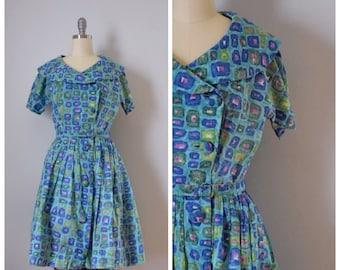 50s Dress / 50s Vintage Dress / Vintage Dress / Shirtwaist Dress / Novelty Print / 50s Cotton Dress / Blue / Fit And Flare  / XS / Small