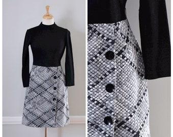 Vintage Dress / 60s Dress / Vintage 60s Dress / 70s Dress / Knit Dress / Long Sleeve Dress / Black / White / Mad Men / Day Dress / Small