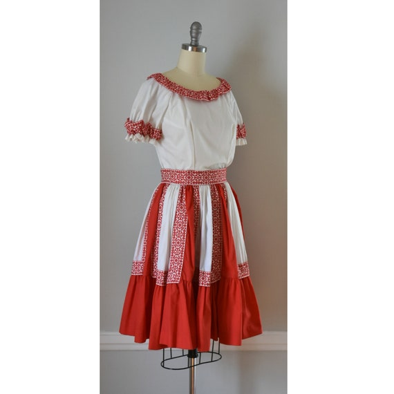 Vintage Patio Skirt and Blouses - image 4