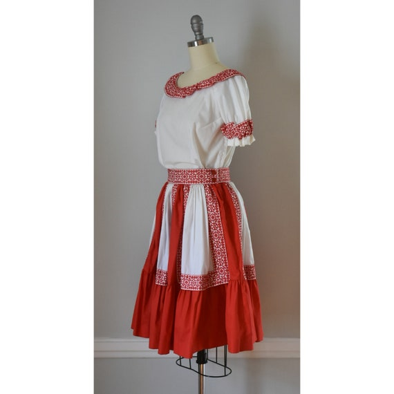 Vintage Patio Skirt and Blouses - image 5