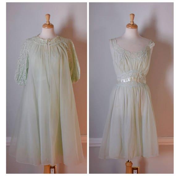 Vintage 60s Peignoir Set