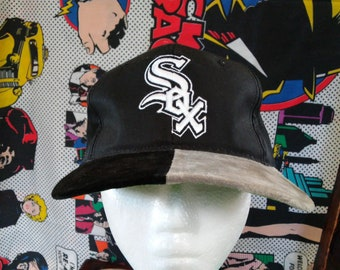 48551560aa7 Chicago White Sox snapback Hat vintage 80 s 90 s two tone suede leather  bill MLB baseball The G cap original vintage rap tee hip hop