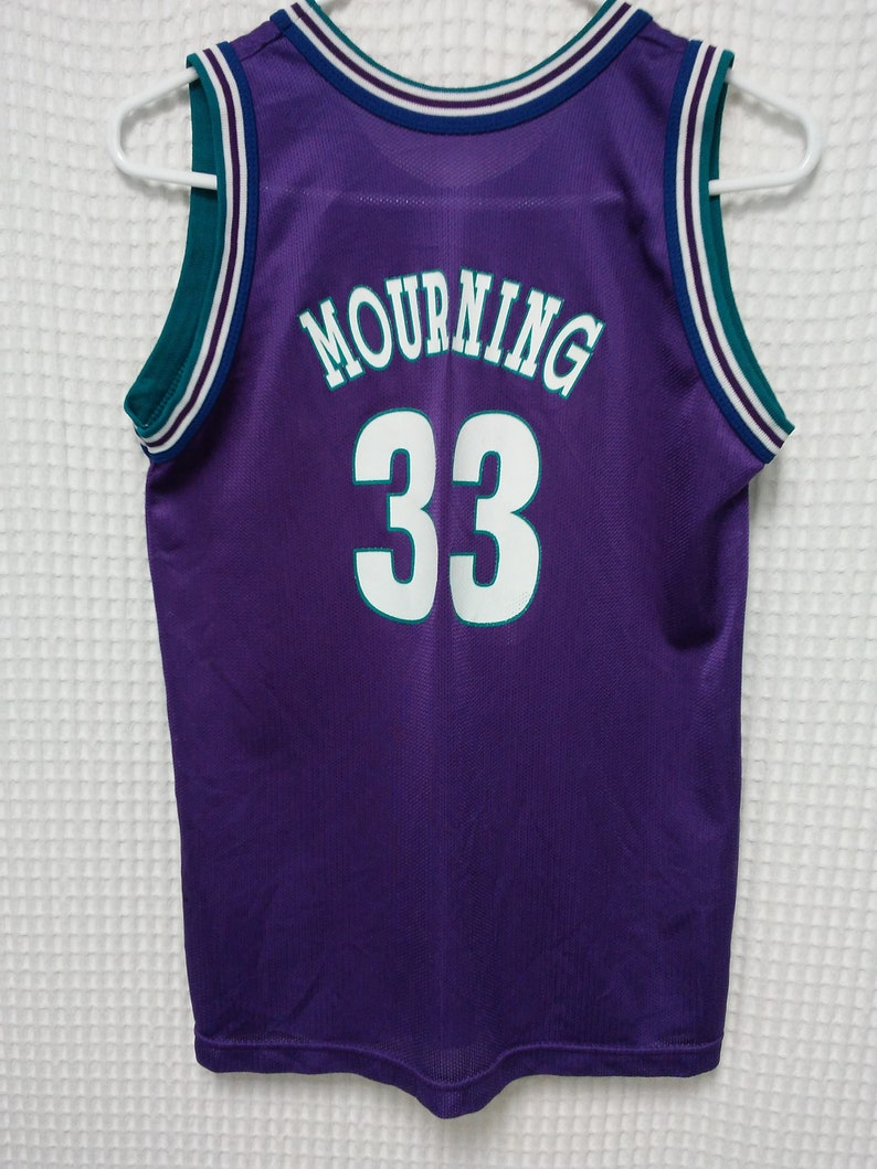b608154f6acd Vintage Charlotte Hornets Jersey Alonzo Mourning 90s Champion