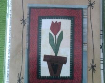 Bloomin Minds Love in Bloom Primitive Pattern