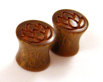 "Lotus Flower Lignum Vitae Wooden Gauges 0g (8mm) 00g (9mm) (10mm) 7/16"" (11mm) 1/2"" (13mm) 9/16"" (14mm) 5/8"" (16mm) 11/16"" 3/4"" 19mm 22mm"