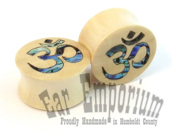 "Om Symbol Abalone Inlay on Holly Wooden Plugs in 00g (10 mm) 7/16"" (11mm) 1/2"" 9/16"" 5/8"" 11/16"" 19mm 20.5mm 22mm 1"" 28mm Wood Ear Gauges"