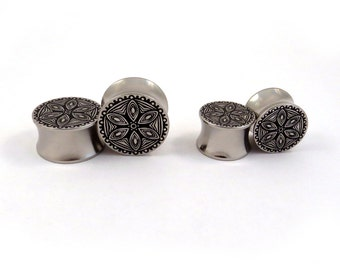 """Abstract Flower Pattern Surgical Steel Plugs - 00g 7/16"""" (11mm) 1/2"""" (13mm) 9/16"""" (14mm) 5/8"""" (16 mm) Solid Metal Ear Gauges"""