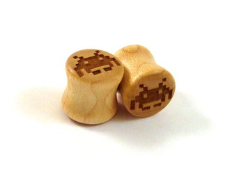 "Invader Maple Wooden Plugs PAIR 2g 6.5mm 0g 8mm 00g 9mm 10mm 7/16"" 11mm 1/2"" 13mm 9/16"" 14mm 5/8"" 16mm 3/4"" 19mm 7/8"" & up Space Ear Gauges"