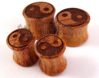 "Yin Yang Canary Wooden Plugs PAIR 2g (6.5mm) 0g (8mm) 00g (9mm) 7/16"" (11mm) 1/2"" (13mm) 9/16"" (14mm) 5/8"" (16mm) 3/4"" (19mm)Wood Ear Gauges"