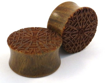 "Celtic Fractal Lignum Vitae Wooden Plugs 1/2"" (13mm) 9/16"" (14mm) 5/8"" (16 mm) 11/16"" (17.5mm) 3/4"" (19mm) (20.5mm) 7/8"" (22mm) Ear Gauges"