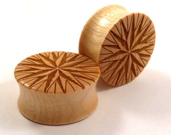 "Compass Rose Maple Wooden Plugs PAIR 2g 0g 00g 7/16"" (11mm) 1/2"" (13mm) 9/16"" (14mm) 5/8"" (16mm) 3/4"" 19mm 7/8"" 22mm 1"" 25.5mm + Ear Gauges"