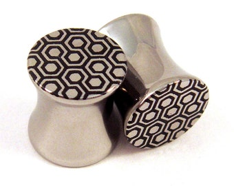 """Honeycomb Double Flared Plugs Surgical Steel - 2g 0g 00g 7/16"""" (11 mm) 1/2"""" (13mm) 9/16"""" (14mm) 5/8"""" (16mm) Geometric Shape Metal Gauges"""