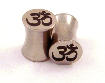 "Om Symbol Surgical Steel Plugs - Double Flared - 2g 0g 00g 7/16"" (11 mm) 1/2"" (13mm) 9/16"" (14mm) 5/8"" (16mm) Ohm Metal Gauges"