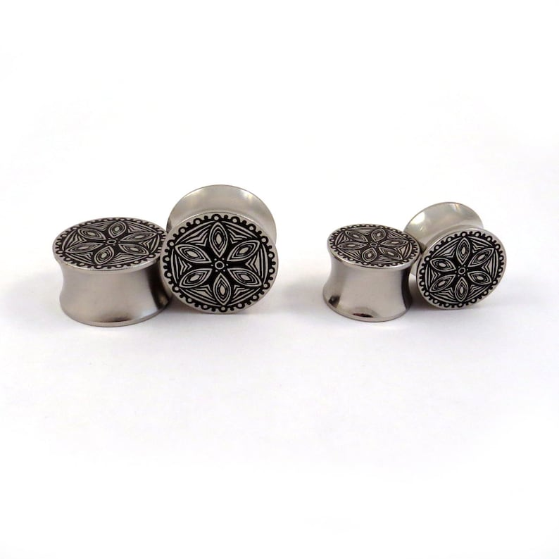 14mm 58 13mm Solid Metal Ear Gauges 16 mm 00g 716 12 916 11mm Abstract Flower Pattern Surgical Steel Plugs